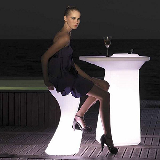 china vondom led glowing rote outdoor plastic moma bar table